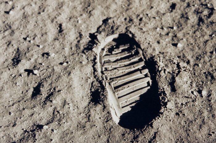 Apollo 11 – kosmický let spojený s přistáním na Měsíci