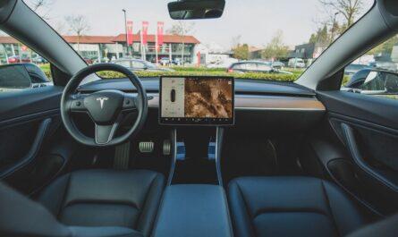 Pohled do moderního autonomního vozidla.