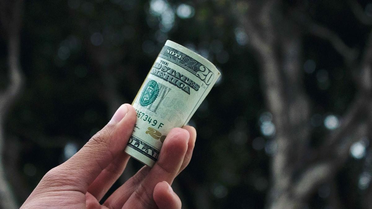 Bankovky v ruce Vám mohou přinést různé druhy úvěrů.