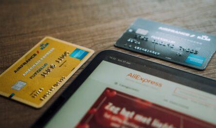Kreditní karty, které můžete využívat k placení.