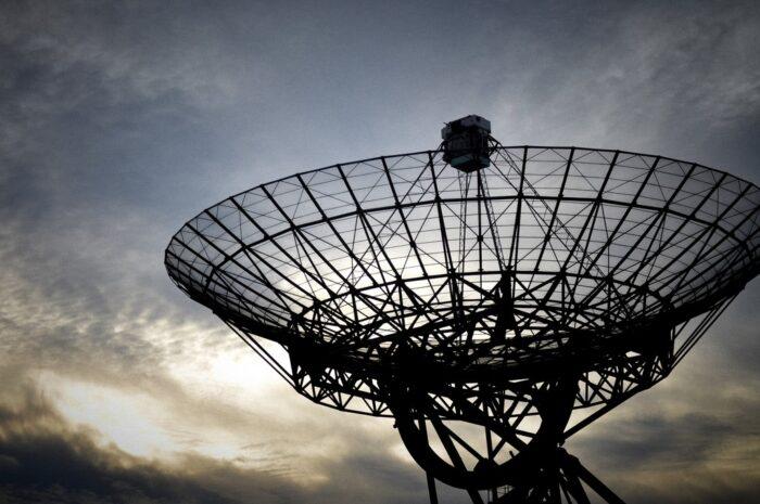 Radioteleskop Arecibo patřil svého času k největším na světě
